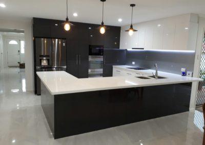 Juniper Pl, Carindale Kitchen3