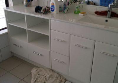 Springwood_Vanity unit, White Gloss Doors & Ceramic Basin Top